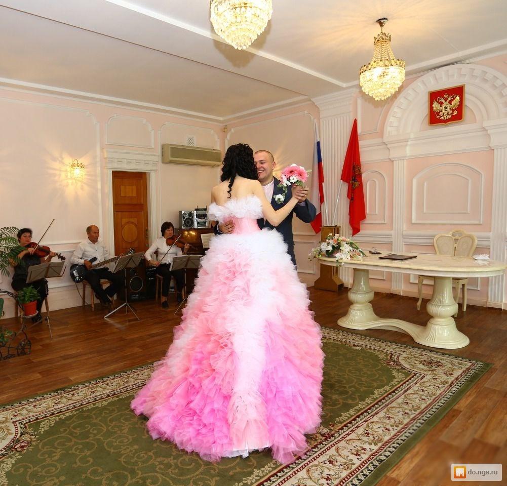 50 000 руб. Состояние. б/у. Продам необычное,цвета фламинго свадебное платье